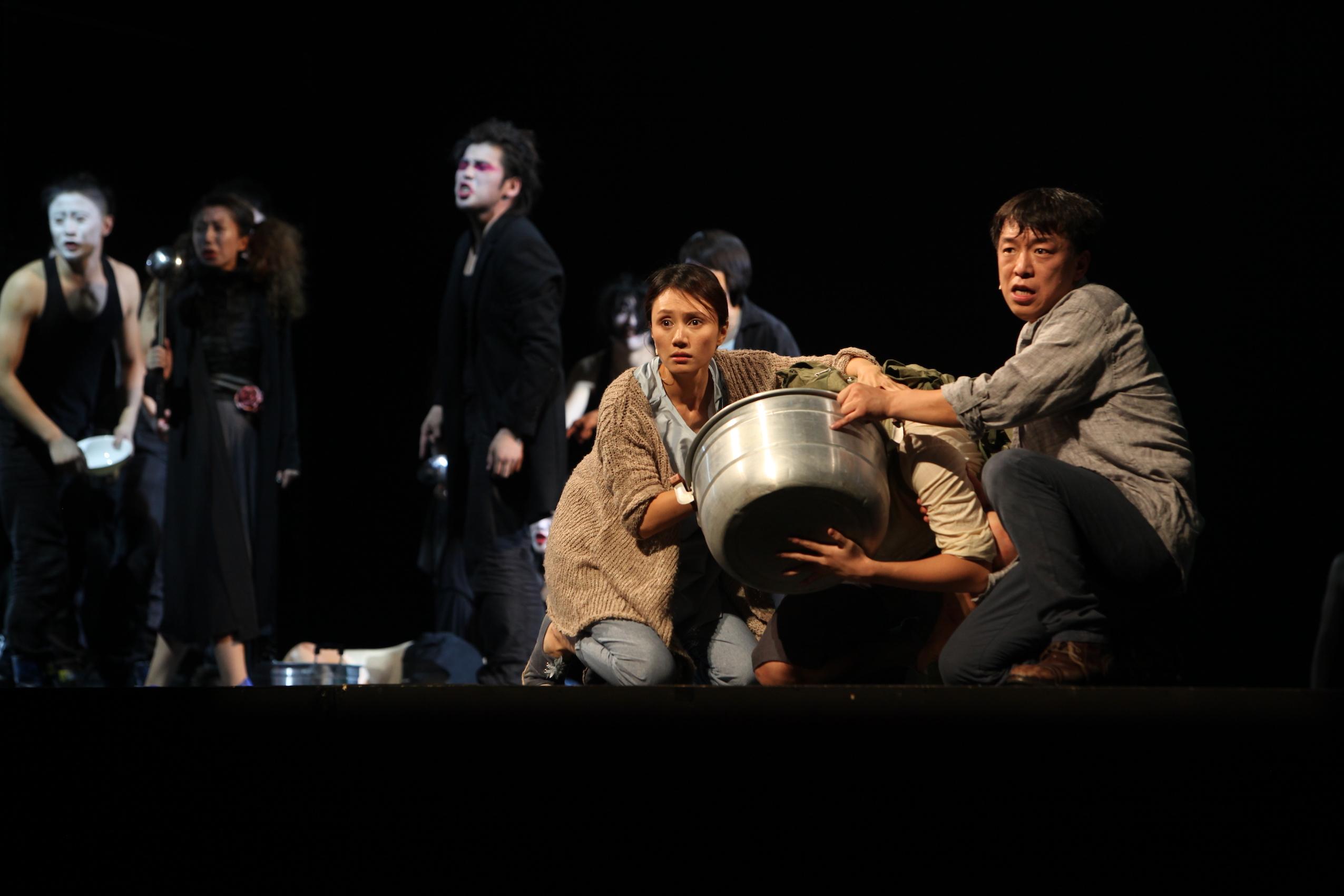 4vivre-de-meng-jinghui-2012-meng-jinghui-studio-2